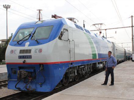 Elektrolokomotive Usbekistan Bahnreise