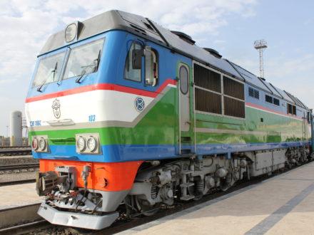 Diesellokomotive Usbekistan Bahnreise